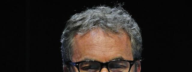 ponente con gafas