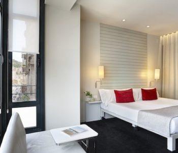 Habitacion del Hotel Miró con vistas al Guggenheim