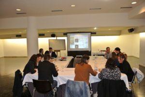 varios profesionales asisten a un curso de revenue management en Pamplona