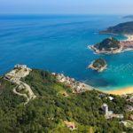 Vista aerea del Monte Igueldo en San Sebastian