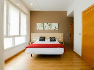 Hoteles_360HM_Pension-Kursaal-Habitacion-Cama