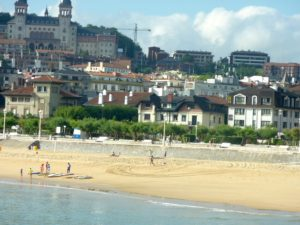 hotel ezeiza en la playa de ondarreta