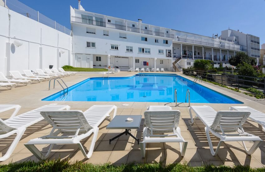 piscina del hotel la terraza en sanxenxo