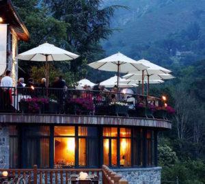 vista de una fiesta en la terraza