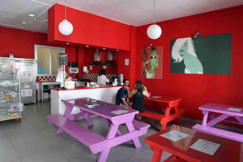 red nest hostel en valencia sala comun