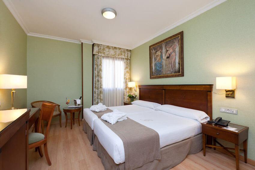 hotel becquer sevilla habitación