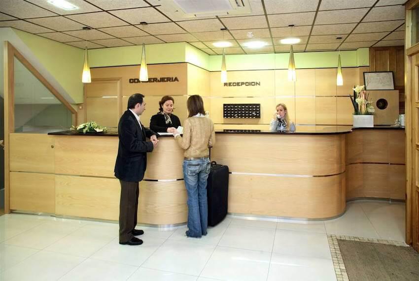 recepcion hotel hispania