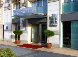 fachada del hotel vincci puerto chico en santander