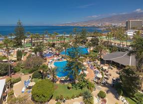 Piscina del Hotel H10 Las Palmeras en Playa de Las Américas en Tenerife.
