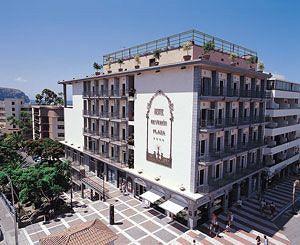 Fachada del Hotel Reverón en Arona, Tenerife