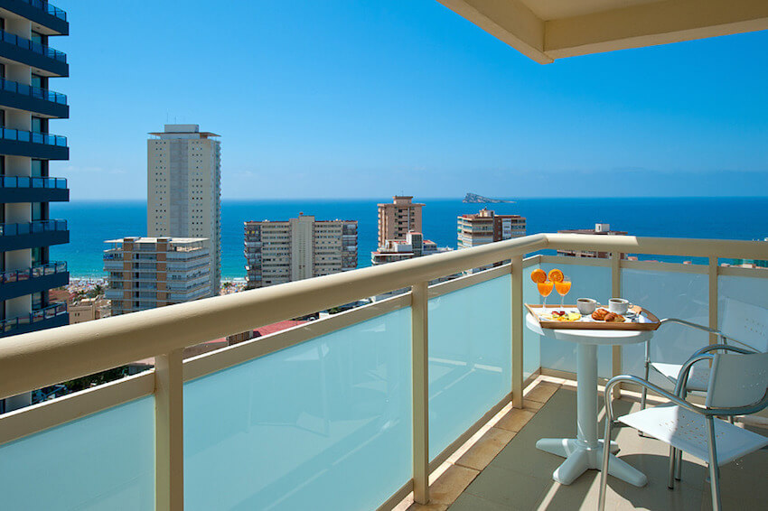 vistas desde la terraza del hotel benidorm plaza
