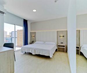 habitación del hotel bristol benidorm
