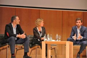 De izquierda a derecha, Rubén Sánchez de beonprice, Pilar Talón de la URJC y Guillermo Gaspart de byhours.