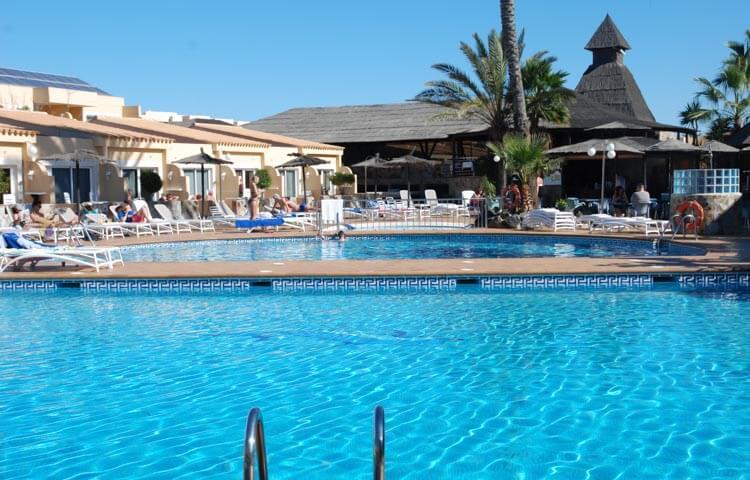 Piscina del Hotel Arena Suite en Corralejo Fuerteventura