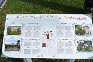 Cada villa del paseo está descrita en los paneles en Benicassim!