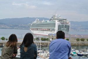 los cruceros abandonan el puerto de Vigo para ir al Caribe.
