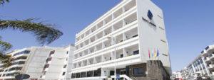 Fachada del Hotel Lancelot en Lanzarote