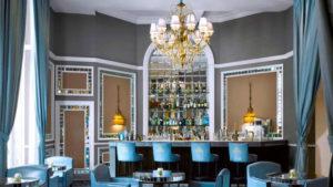 El encantador bar del Hotel María Cristina