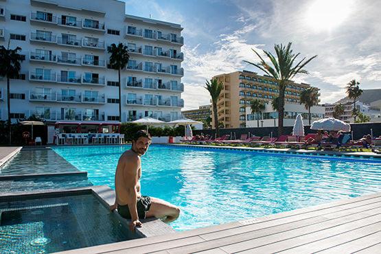 hotel astoria-playa piscina