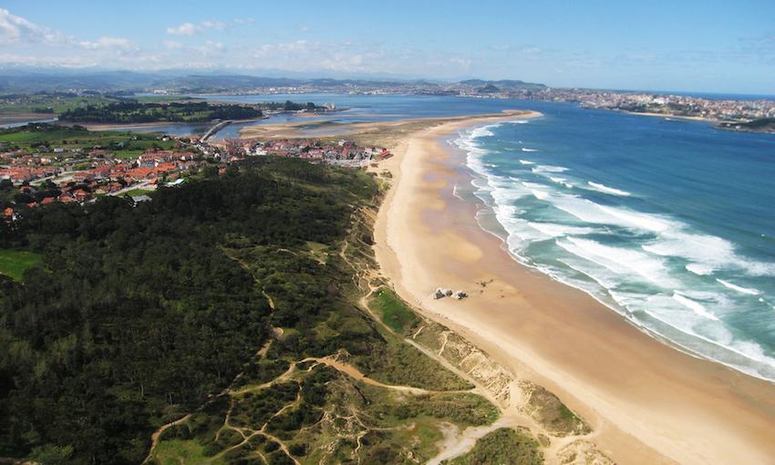 Plea surf house loredo