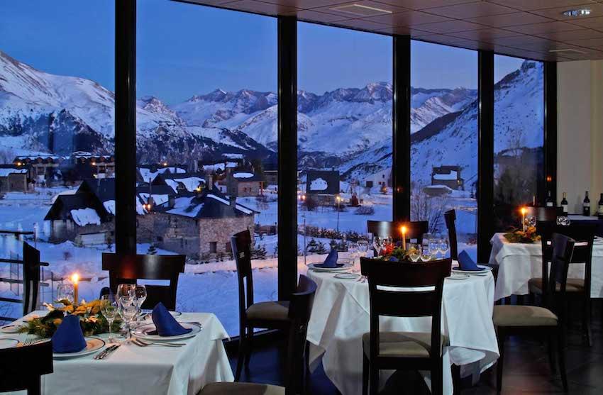 Hotel apartamento HG formigal servicios restaurante vistas nieve