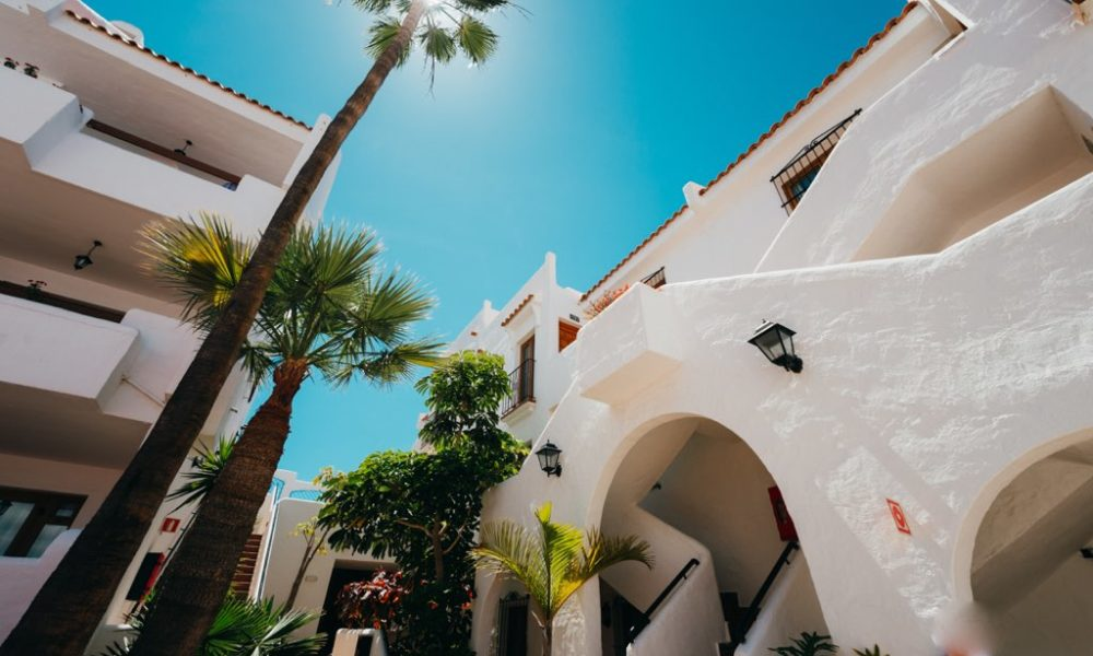 THE SUITES AT BEVERLY HILLS excel los cristianos tenerife