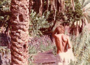 turista caminando por Tenerife